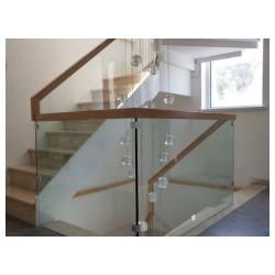 鞍山玻璃楼梯-博鑫艺楼梯经销处供应销量高的楼梯